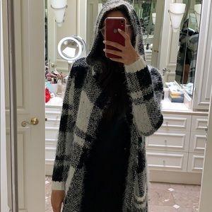 Mona B Sweaters - Long checkered cardigan🖤
